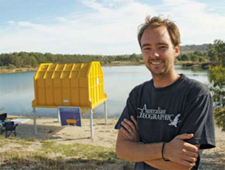 <figcaption>Lloyd Godson in front of the biosub before it was submerged. Credit: &#169; John Egan/Australian Geographic Images</figcaption>